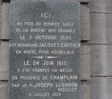 Plaque commémorative de l\'Église de la Visitation faisant mention de Jacques Cartier et Samuel de  Champlain