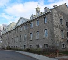 Maison Saint-Joseph du Sault-au-Récollet, anciennement Collège St-Ignace, maintenant Mont-Saint-Louis depuis 1969