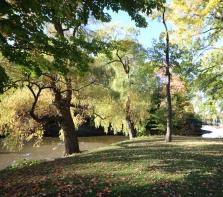 Parc Raimbault devant l\'Hôpital Sacré-Coeur à Cartierville